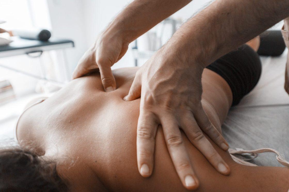 Sports Back Massage